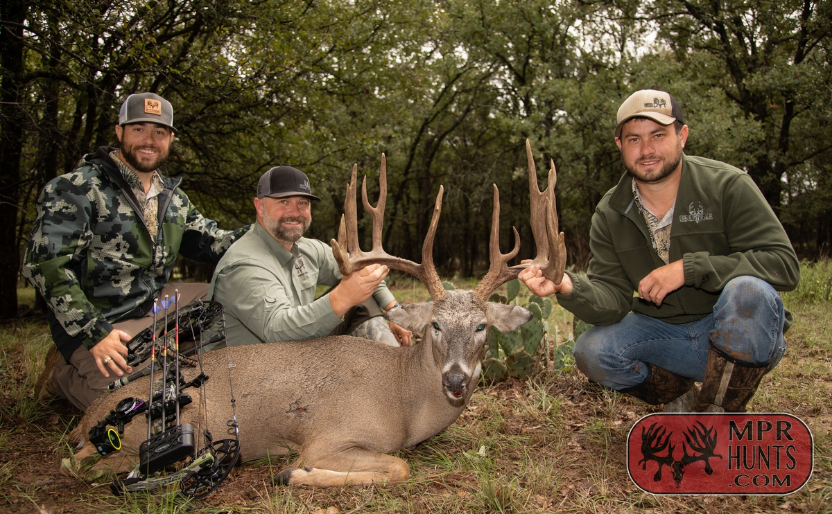 Exclusive Corporate Trophy Whitetail & Exotic Hunts